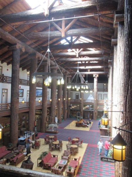 photo of Glacier Park Lodge lobby